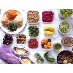 Instagram media by plus__m - . . 記録用なので コメントスルーで 見てくださって ありがとう⚘ . . ☺︎ お夕飯・常備菜・ストック食材 ☺︎ . ◦洗い リーフレタス ◦瓜と大葉の浅漬け ◦なめたけ ◦人参の葉っぱのジェノベーゼ ◦モツと砂肝煮 ◦紫キャベツのマリネ ◦蒸し トウモロコシ ◦蒸し カボチャ ◦蒸し ミニアスパラ ◦挽き肉とおからのそぼろ ◦蒸し ブロッコリー ◦洗い マイクロトマト ◦洗い ブロッコリースプラウト ◦4種のナムル  人参・もやし・ほうれん草・大根 ◦ミックスビーンズのマリネ ◦生鮭とキノコのホイル焼き ◦洗い チェリー ◦鳥ハム 漬け込み ◦ブリの醤油麹漬け  そぼろは 挽き肉におからを足して かさ増ししてみました ⚘⚘ . . #おうちごはん #常備菜 #ストック食材 #ストック #作り置き #下ごしらえ #暮らし #日々
