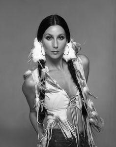 Cher is Beautiful Cher Costume, Divas Pop, Cher Photos, Cher Bono, Native American Beauty, Beautiful People, Beautiful Women, Vogue Magazine, Old Hollywood