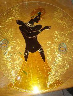 Mandala em vidro 3mm, arte em verniz vitral. Sob encomenda. Consulte tamanhos e valores no Facebook: www.facebook.com/ateliermandalli  #Orixás #Umbanda #Candomblé #acrilexterapia #acrilex #corfix #artesanato #verniz #vitral #art #arte #orisha #mandala #MandalaEmVidro #Oxum #MamãeOxum #Osun #axé