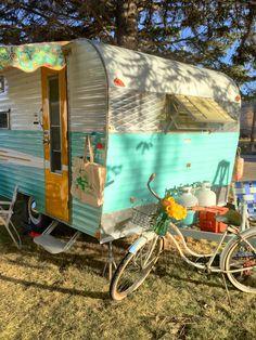 1969 RoadRunner vintage camper trailer