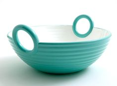 'Alaya' ceramic basket designed by Satyendra Pakhalé and produced by Bosa.
