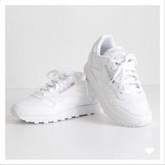 Reebok Classic Leather White for Womens. Picture from @jaimetoutcheztoi fashionblog.