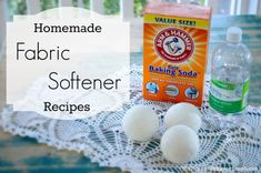 Here& a few homemade fabric softener recipes to get your clothes and linens feeling soft and snuggly! Perfect to go with your homemade laundry detergents. Eco Friendly Cleaning Products, Natural Cleaning Products, Homemade Fabric Softener, Homemade Essential Oils, Homemade Laundry Detergent, Baking Soda Uses, Cleaners Homemade, Cleaning Hacks, Cleaning Solutions