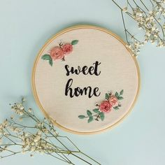 Name Embroidery, Floral Embroidery Patterns, Learn Embroidery, Hand Embroidery Stitches, Embroidery Fashion, Embroidery Hoop Art, Hand Embroidery Designs, Custom Embroidery, Diy Embroidery For Beginners