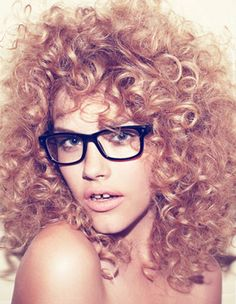 curly, gap-toothed and glasses. a girl after my own curly-headed, gap-toothed having, glasses wearing self. Afro, Curly Hair Styles, Natural Hair Styles, Curly Bangs, Love Your Hair, Natural Curls, Curly Girl, Big Hair, Messy Hairstyles