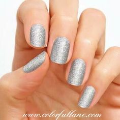 Tinseltown by Color Street is a very popular glitter nail strip. Find other beautiful options on my site www.colorfullane.com #colorstreet #colorstreetnails #colorfullane #colorstreetbybecky #nails #nailart #naildesigns #nailpolish #nailpolishstrips #joinme #tinseltown #colorstreettinseltown