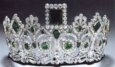 Empress Josephine's Emerald and Diamond Tiara. Geometric emeralds in a neo-classical diamond design, mounted on a frame of gold and silver. Originally made for Empress Josephine by Bapst. The tiara has become a favorite tiara of Queen Sonja of Norway. Royal Crown Jewels, Royal Crowns, Royal Tiaras, Royal Jewelry, Tiaras And Crowns, Diamond Tiara, Emerald Diamond, Emerald City, Emerald Green