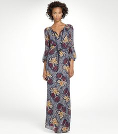 Not normally a fan of prints but this @toryburch maxi dress caught my eye on Robertson Blvd. this AM.