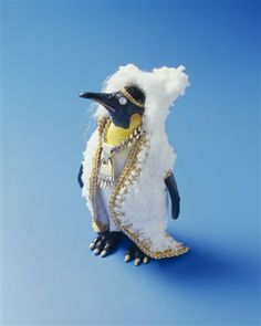 Felieke van der Leest - Emperor Penguin Freddie with Polar Pear Claw (2005). Photo by Eddo Hartmann.