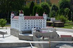 Bratislavský hrad dominantou Parku miniatúr Portal, Patio, Outdoor Decor, Home Decor, Decoration Home, Room Decor, Home Interior Design, Home Decoration, Terrace