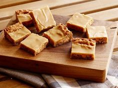 Butterscotch Peanut Butter Bars Recipe : Trisha Yearwood : Food Network--these were delicious! Tailgate Desserts, Köstliche Desserts, Delicious Desserts, Dessert Recipes, Yummy Food, Tailgating Recipes, Top Recipes, Amish Recipes, Peanut Butter Squares