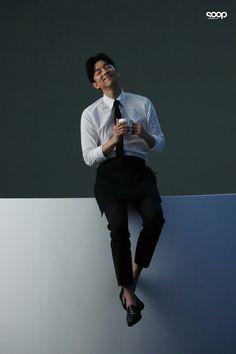 Gong Yoo Smile, Yoo Gong, Goblin Korean Drama, Goong Yoo, Hemsworth Brothers, Coffee Prince, Men Photoshoot, Man Photography, Kdrama Actors