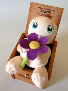 Flower-holding Mother's Day Warms Hold On, Plush, Characters, Warm, Flowers, Gifts, Naruto Sad, Figurines, Floral