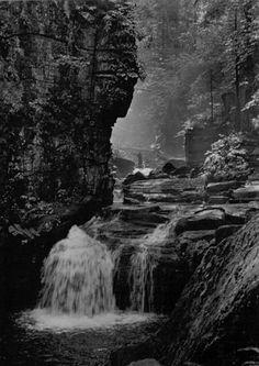 Satinský vodopád na dobové pohlednici