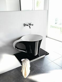 CUP, counter top washbasin Design Meneghello Paolelli Associati #ceramic #Pop Art #Caffè #freestanding #washbasin #sink #bathroom #livintec #bagno #centrostanza #lavabo #tazzina #portasalviette #breakfast