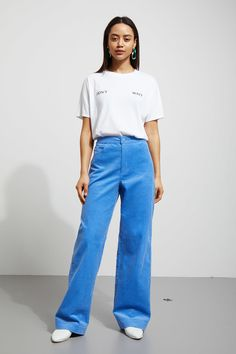 The Livia Trousers are a pair of fine corduroy trousers with a high waist, a dropped crotch and straight wide legs. - The model wears size 38, that measu