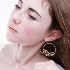 Andrea Pineros Bijoux Boucles Mouffetard Collection GOLD Wire Jewelry, Jewellery, Metal Working, Jewelry Design, Hoop Earrings, Jewels, Gold, Collection, Contemporary