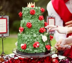 Alice in Wonderland Wedding with a 'painting the roses red' cake!