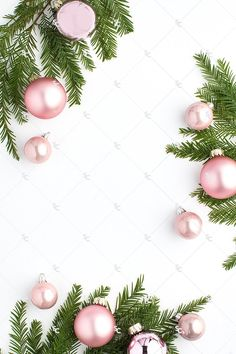 New white christmas tree wallpaper holidays Ideas Pink Christmas Tree, Noel Christmas, Christmas Fashion, Christmas Decor, Christmas Ornaments, Christmas Phone Wallpaper, Holiday Wallpaper, White And Gold Wallpaper, Seasonal Image