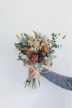Puzzle Bouquet of flowers - online jigsaw puzzle games. Play free jigsaw puzzle Bouquet of flowers. Bunch Of Flowers, Pretty Flowers, Dried Flowers, Bouquet Flowers, Gift Flowers, Fresh Flowers, Flowers Dp, Protea Bouquet, Autumn Flowers