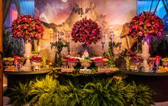 Festa tema Tomorrowland Larissa: flores cor-de-rosa - Fotos: Vips Fotos / João Henrique e Paula Nunes