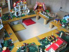 Une table de jeu playmobil avec lack jeux playmobil - Table de jeu playmobil ...