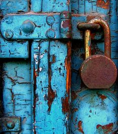 rusty lock on weathered blue door. Old Doors, Windows And Doors, Vintage Doors, Vintage Door Knobs, Knobs And Knockers, Peeling Paint, Shades Of Blue, Old Things, Painting