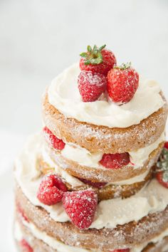 How to make a 2 tied naked cake Yummy Treats, Delicious Desserts, Sweet Treats, Yummy Food, Cupcakes, Cupcake Cakes, Sweet Recipes, Cake Recipes, Dessert Recipes