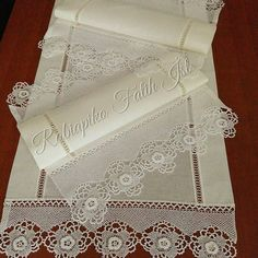 Kıyafet seçenekleri 🌟🌟🌟Table table 🌟🌟🌟 One piece of the remaining and non-continuation of such small pieces of lace are evaluated 🌟This triple table s. Stylish Mens Fashion, Needle And Thread, Wedding Season, Doilies, Crochet Stitches, Perfect Wedding, Decorative Boxes, Cross Stitch, One Piece