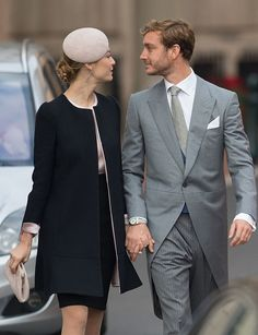 Pierre Casiraghi and Beatrice Boromeo arrive to attend a Mass at Monaco Cathedralfor the National Day November 2015 in Monaco, Monaco. Get premium, high resolution news photos at Getty Images Princesa Beatrice, Princesa Charlene, Beatrice Borromeo, Princesse Kate Middleton, Derby Outfits, Charlotte Casiraghi, Beatrice Casiraghi, Monaco Royal Family, Princess Caroline Of Monaco