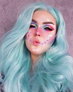 Helpful makeup tips Crazy Makeup, Cute Makeup, Gorgeous Makeup, Beauty Makeup, Makeup Tips, Makeup Ideas, Eye Makeup Cut Crease, Blue Eye Makeup, Pastel Makeup
