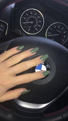 Khaki nails // my nails