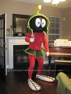 Coolest Marvin the Martian Costume... This website is the Pinterest of costumes