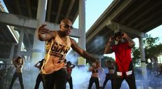 """It's going down for real in Flo Rida's """"GDFR"""" music video! The Floridian rapper is the star of a boy and girls basketball team and he plans to win the next game by training these girls right and… Watch News, Flo Rida, Basketball Teams, Music Videos, Board, Image, Fashion, Sash Belts, Moda"""