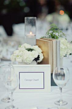 Book-themed centerpiece | photography by http://heatherkincaid.com/
