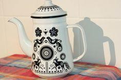 folklore tea pot
