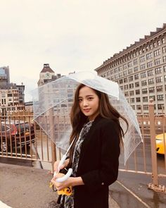 """""""Jisoo is very underrated wtf she doesn't deserve this. Everyone should appreciate this little jichu. Blackpink is not complete without you Kim Jisoo💓 Kpop Girl Groups, Korean Girl Groups, Kpop Girls, Blackpink Jisoo, Yg Entertainment, Forever Young, Black Pink ジス, E Piano, Blackpink Members"""