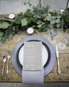 Platos de base de color neutro para mesa. #PlatosBase