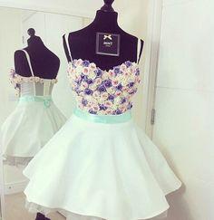 Si no quieres un vestido clásico, esto es tu mejor opción.