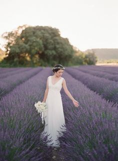 A gorgeous e-session in a lavender field: http://www.stylemepretty.com/destination-weddings/2017/12/05/an-e-session-in-fields-of-lavender/ Photography: Greg Finck - http://www.gregfinck.com/