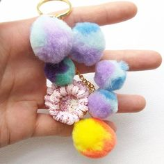 Cake+and+colorful+pom+poms!    *3.5cm+charm  *pom+pom+embellishments  *gold+key-ring