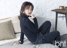 Can we say GORGEOUS? Kim Seul Gi might come off crazy and quirky on TV, whether she's in a corner of 'SNL Korea' or hilariously trying to get in… Queen Of The Ring, Comedy Skits, Man Down, Korean Entertainment, Korean Actresses, K Idols, Bring It On, People, Beauty