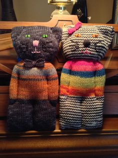 My first attempt at toys on my Erlbacher Gearhart sock machine. They have little I-cord tails on the back.