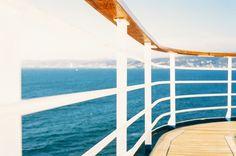 Organizar bien el espacio es la clave para disfrutar de los largos viajes en velero:  http://www.barcelonacharter.net/noticia-detallada/alquiler-velero-barcelona-tips-para-una-optima-estiba-a-bordo #Alquiler #velero #Barcelona #organizar #barco