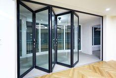 Puertas corredizas: 13 opciones lindísimas para casitas pequeñas (de Paula Meggiolaro)