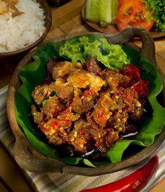 Famous food from Jogjakarta http://www.goindonesia.com/id/hotels/indonesia/jawa/yogyakarta/makanan_khas_yogyakarta/oseng_mercon