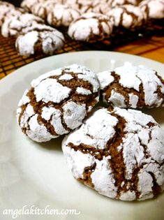 Gluten and dairy free chocolate crinkle cookies Chocolate Orange Cookies, Chocolate Crinkle Cookies, Chocolate Crinkles, Cake Recipes, Dessert Recipes, Dairy Free Chocolate, Healthy Cake, Sweet Cakes, Dairy Free Recipes