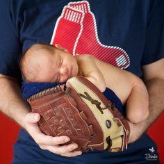 RED SOX  Newborn baby boy #bimbiphotobaby #REDSOX #newbornphotographer #newborn #newbornphotographer #babyboy #baby Pin enviado desde