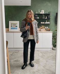 Knitwear and Blazers: Brittany Bathgate wears a cream jumper with a grey coat and a rust jumper shoulder-robed overtop Jumper Outfit, Friends Fashion, Blazer, Minimalist Fashion, Capsule Wardrobe, Autumn Winter Fashion, What To Wear, Cute Outfits, Girly Outfits