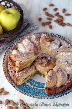 Torta di mele e mandorle ricetta facilissima e veloce per un dolce che si scioglie in bocca che vi conquisterà al primo assaggio.